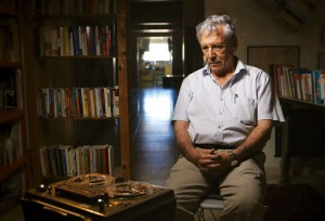 A sobre Amos Oz listens to his younger self.